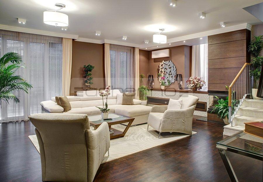 Braune Eleganz. Wohndesign Haus Zwischen Stadt Und Land
